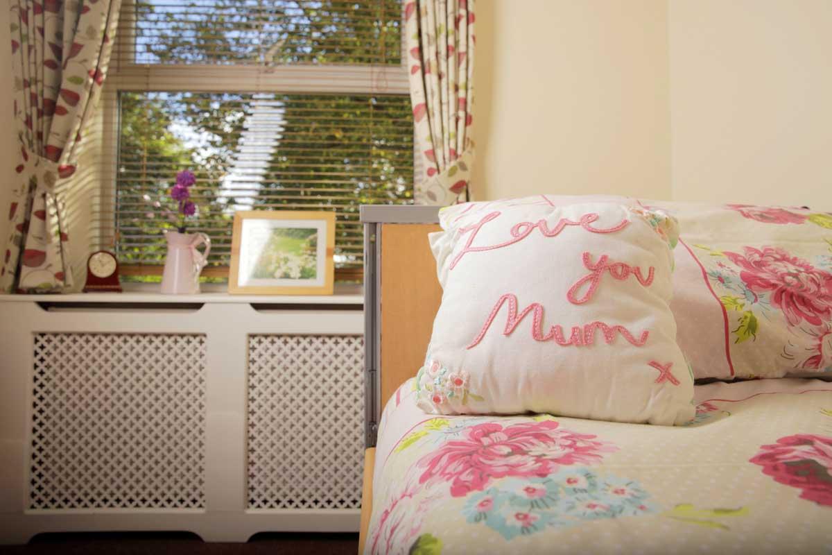 LOVE MUM BED